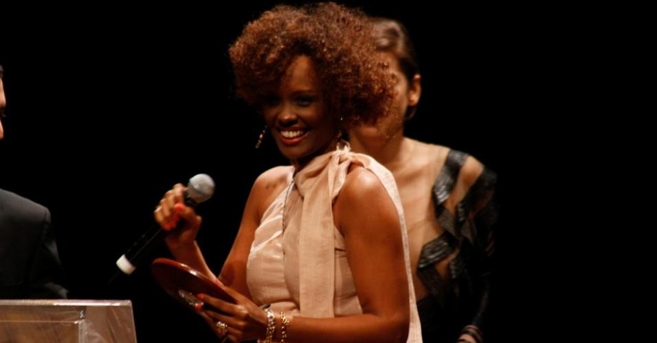 A atriz Isabel Filardis no palco do Prêmio Trip Transformadores 2012, que aconteceu no Auditório do Ibirapuera, em São Paulo. Segundo os organizadores, a premiação foi criada para buscar e reconhecer pessoas notáveis na sociedade brasileira (24/10/12)