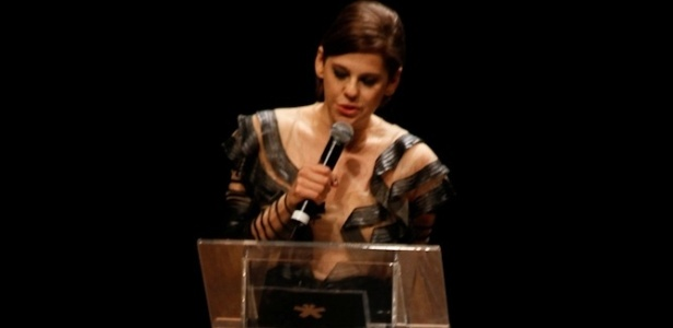 Bárbara Paz no palco do Prêmio Trip Transformadores 2012, que aconteceu no Auditório do Ibirapuera, em São Paulo. Segundo os organizadores, a premiação foi criada para buscar e reconhecer pessoas notáveis na sociedade brasileira (24/10/12)