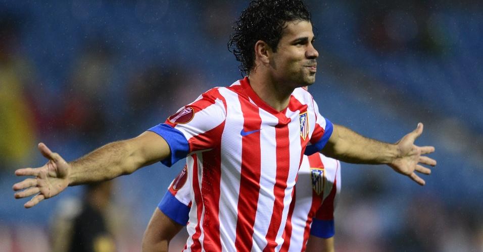 Brasileiro Diego Costa comemora ao marcar o primeiro gol do Atlético de Madri na vitória por 2 a 1 sobre o Acadêmica pela Liga Europa (25/10/2012)