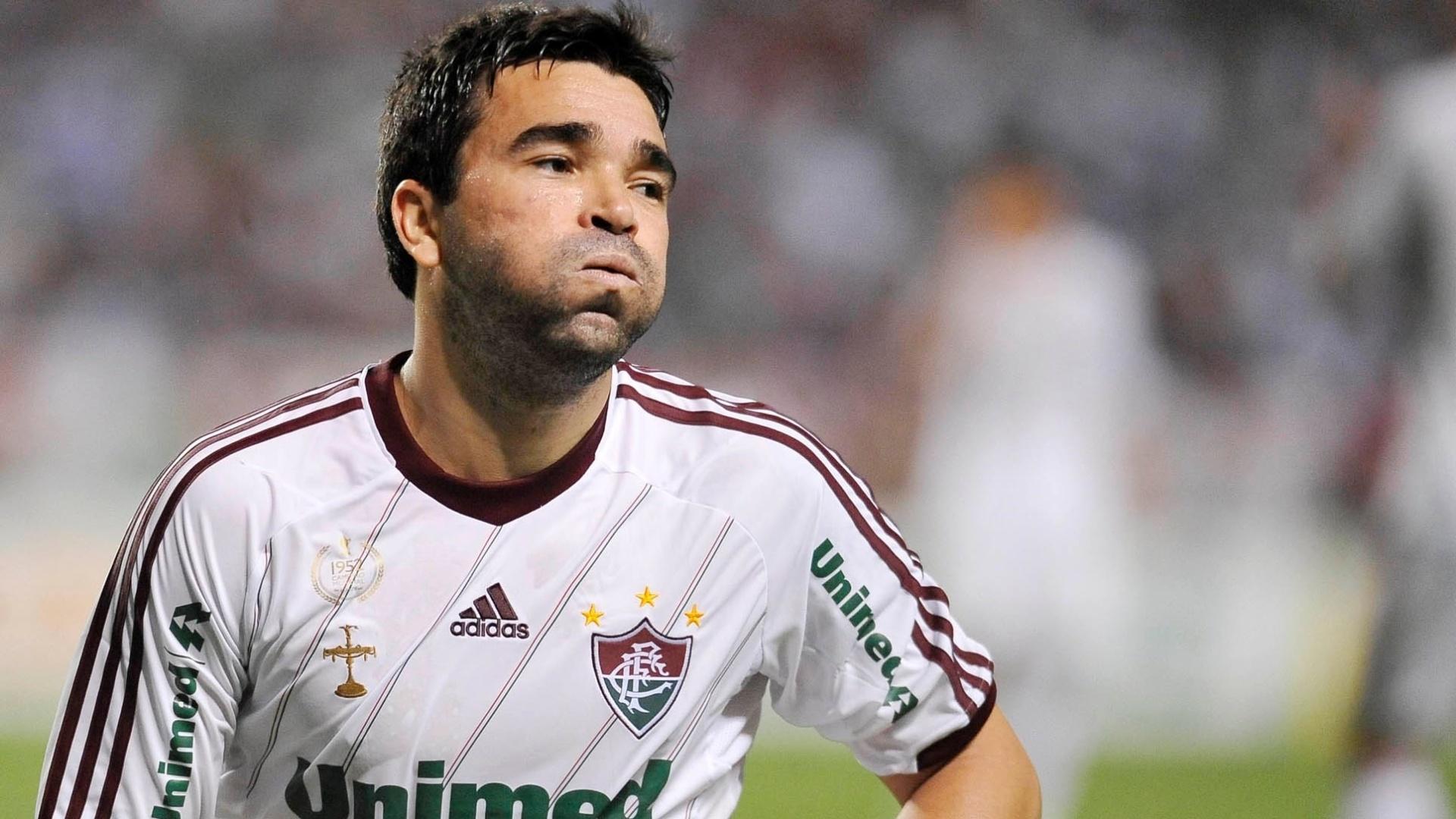 Deco lamenta gol perdido na partida contra o Coritiba no Engenhão