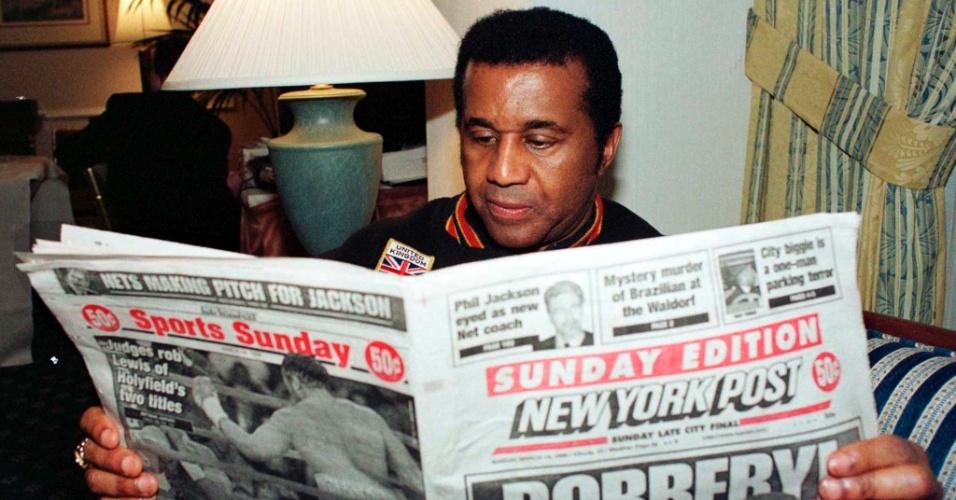 Emanuel Steward, treinador de Evander Holyfield e Oscar de la Hoya, é fotografado em março de 1999. O ex-boxeador e treinador morreu no dia 25/10/2012, aos 68 anos