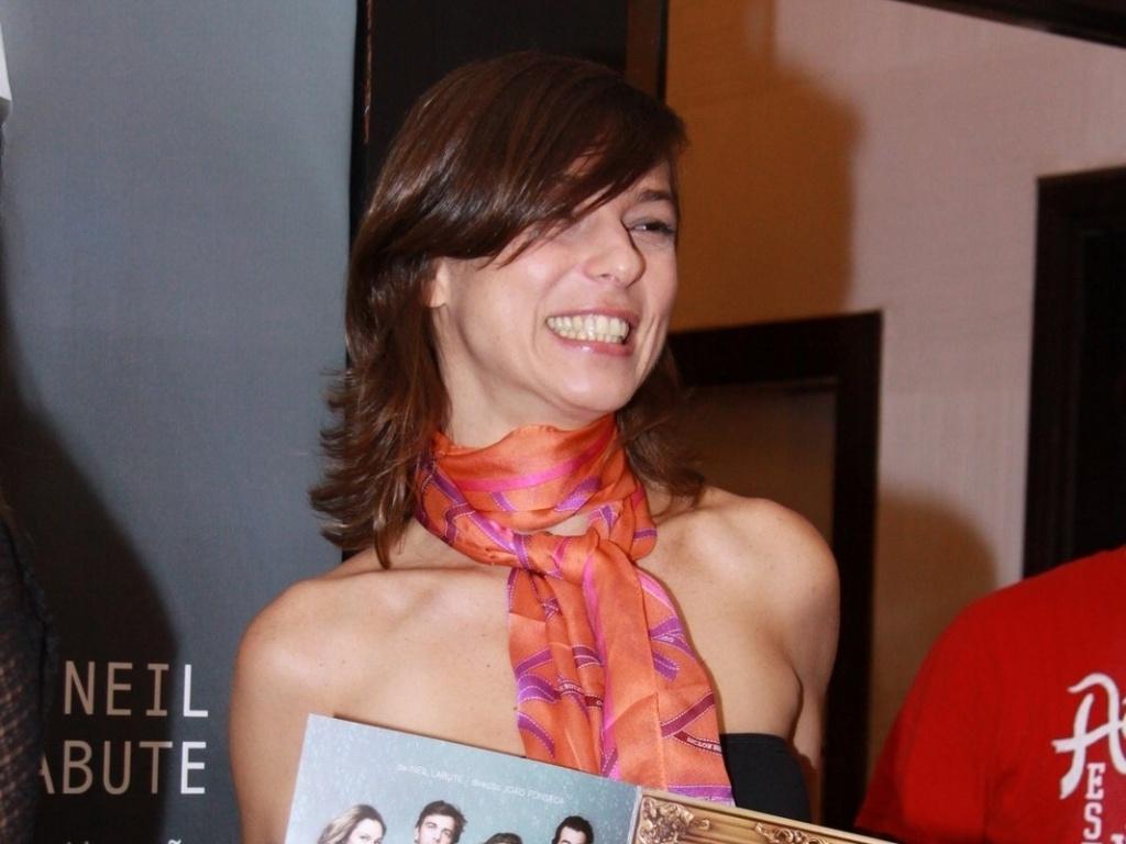 Maria Paula vai à estreia para convidados da peça