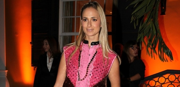 Princesa Elisabeth von Thurn und Taxis comparece ao jantar especial da grife francesa Louis Vuitton, que aconteceu na casa de Nizan Guanaes e Donata Meirelles, a famosa Casa Amarela, localizada no bairro do Jardim Europa, em So Paulo. O evento marca uma das ltimas aparies de Yves Carcelle como CEO da Louis Vuitton, que se despede da grife depois de mais de 20 anos. Jordi Constans, executivo do grupo alimentcio Danone, assume a posio (24/10/12)