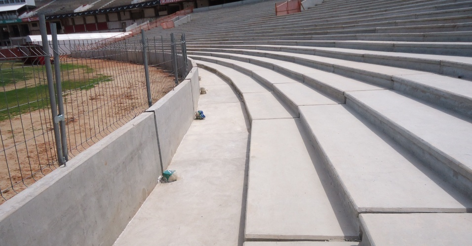 Reforma do estádio Beira-Rio chegou a marca de 40% de obras realizadas (25/10/2012)