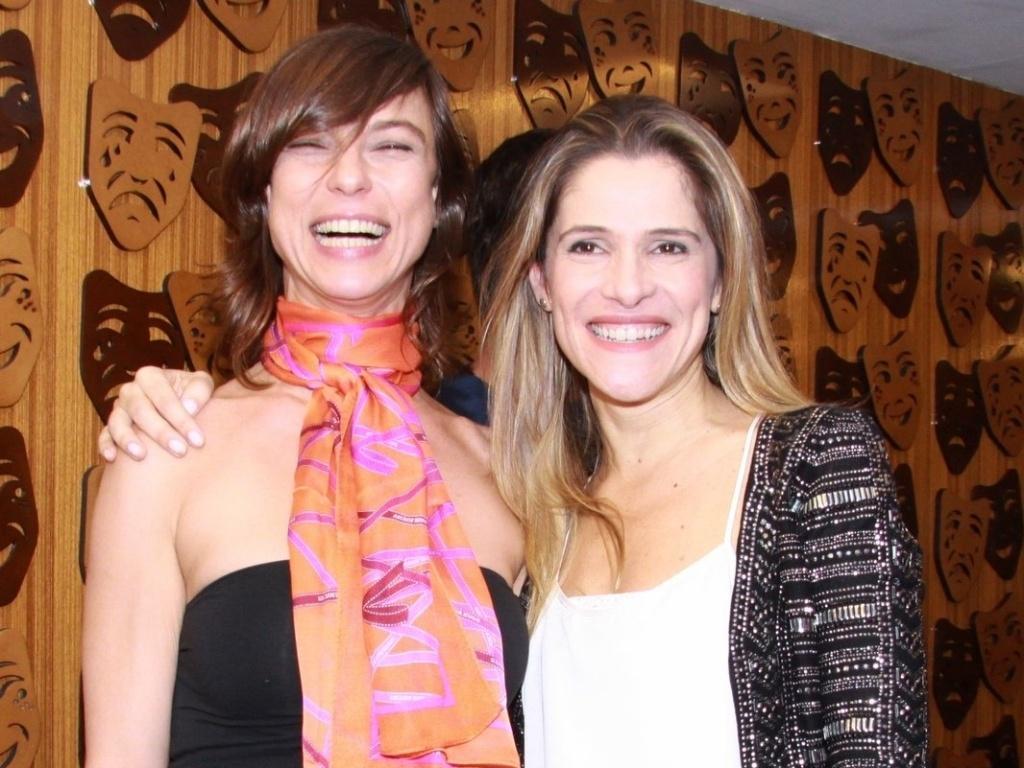 Maria Paula e Ingrid Guimarães na estreia para convidados da peça