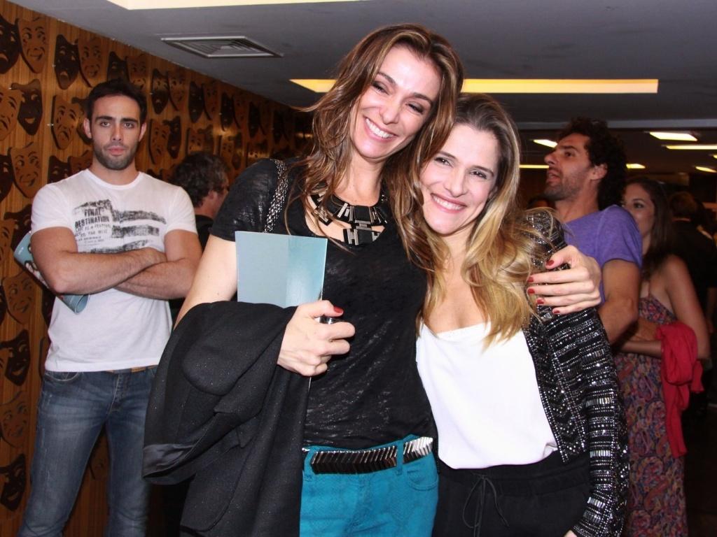 Mônica Martelli e Ingrid Guimarães na estreia para convidados da peça