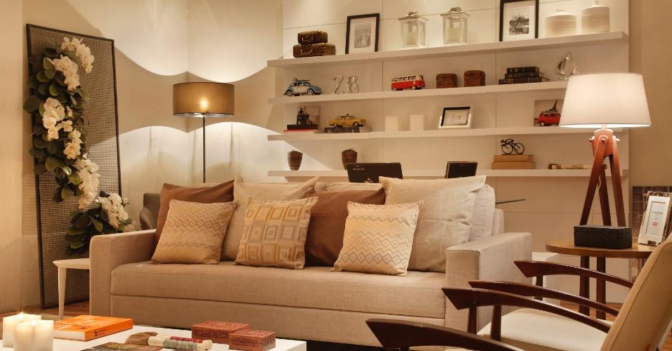 Sala da Família Moderna assinada por Rodrigo Rangel. A mostra Morar Mais por Menos RJ segue até dia 4 de novembro de 2012, na Av. Epitácio Pessoa, 4.866, Rio de Janeiro