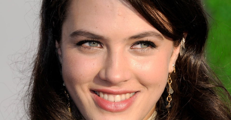 Jessica Brown Findlay chega para assistir os prêmios BAFTA, em Los Angeles