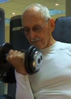 Charles Eugster deu início a exercícios intensos há seis anos