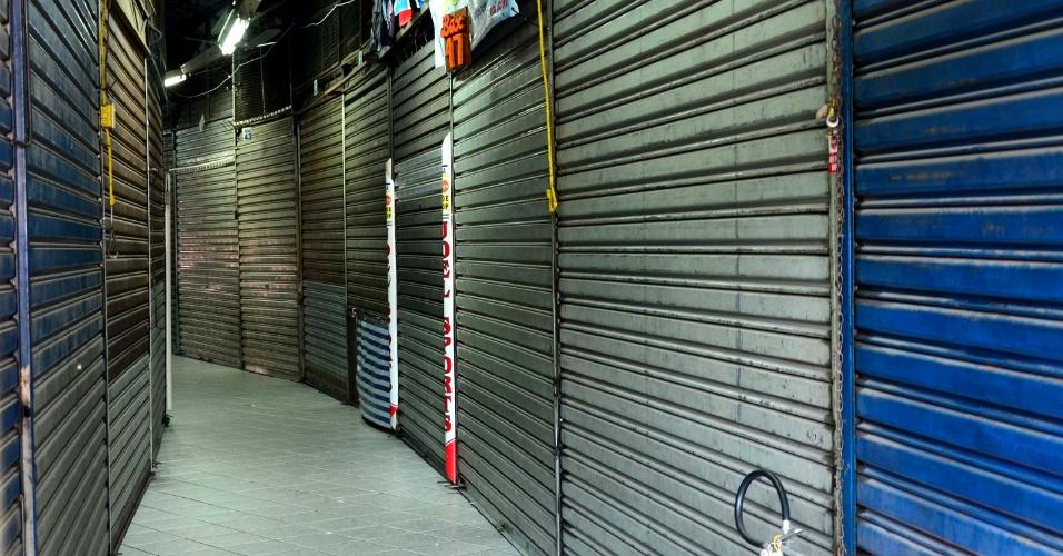 31.out.2012 - Lojas e galerias no centro de Santo André, na grande São Paulo, fecharam as portas mais cedo nesta tarde, após boatos sobre uma ordem de toque de recolher na cidade