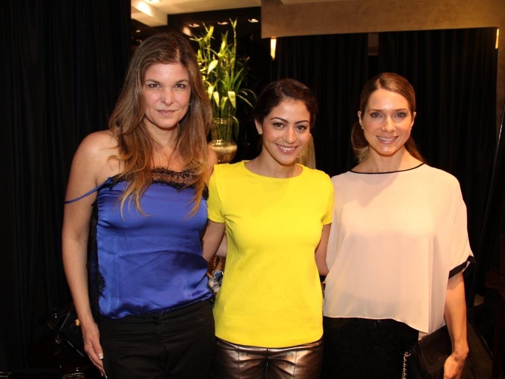 As atrizes Cristiana Oliveira, Leticia Spiller e Carol Castro estiveram no lançamento da revista Vogue de novembro na galeria Forum de Ipanema, no Rio (31/10/2012)