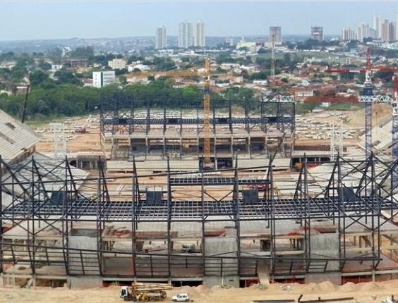 Obras da Arena Pantanal, em Cuiabá (MT), em outubro de 2012