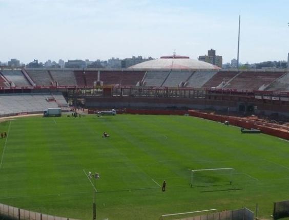 Obras de reforma no estádio Beira-Rio, em Porto Alegre (RS), em outubro de 2012