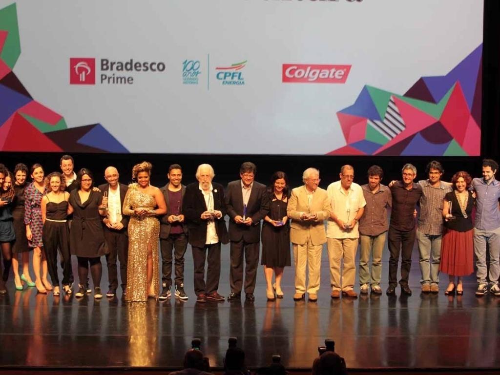 Vencedores do 8º Prêmio Bravo! Bradesco Prime de Cultura, que aconteceu no Auditório do Ibirapuera, em São Paulo. O ator Lázaro Ramos ficou responsável pela apresentação do evento (30/10/12)