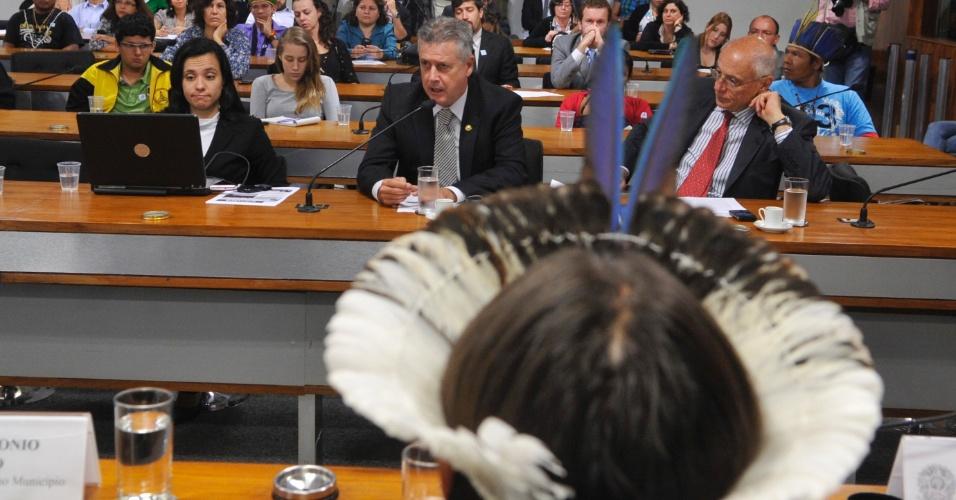 1°.nov.2012 - A Comissão de Direitos Humanos e Legislação Participativa (CDH) do Senado faz audiência pública para discutir a situação do povo guarani-kaiowá. Os indígenas estão acampados na Fazenda Cambará, em Mato Grosso do Sul, à espera da demarcação da terra