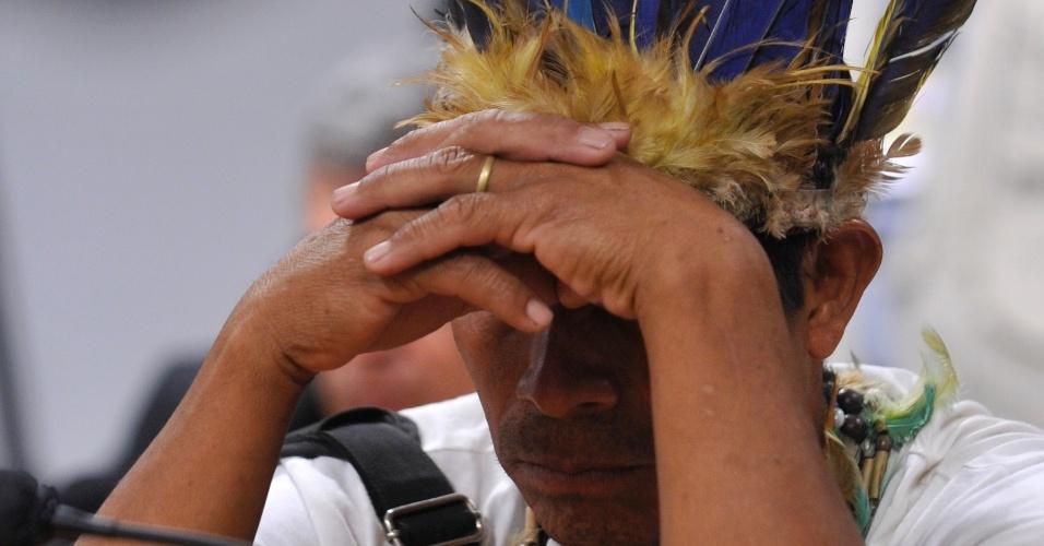 1°.nov.2012 - O cacique Solano Lopes, líder da comunidade Puelito Kuê, participa na Comissão de Direitos Humanos no Senado de audiência pública para discutir a situação do povo guarani-kaiowá. Os indígenas estão acampados na Fazenda Cambará, em Mato Grosso do Sul, à espera da demarcação da terra