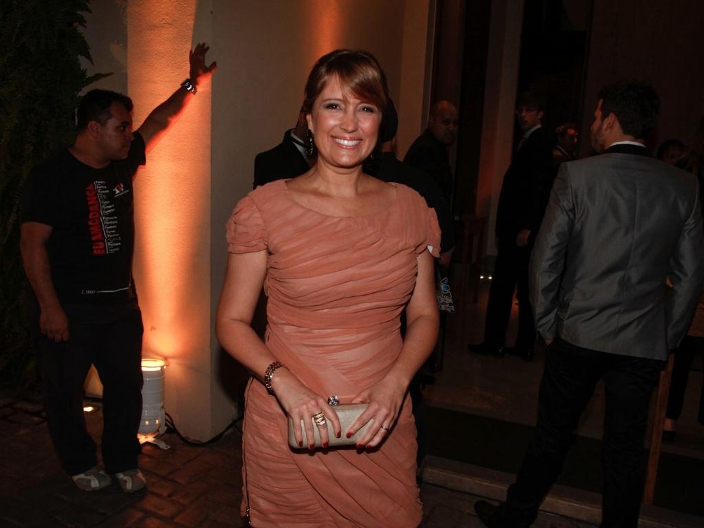 A apresentadora Tina Roma prestigiou o casamento de Daniel Zukerman, o Impostor do