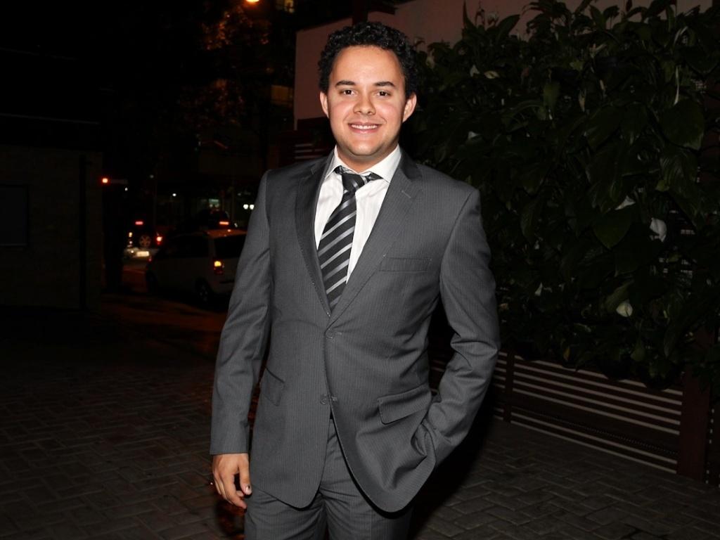 Gui Santana prestigiou o casamento de Daniel Zukerman, o Impostor do