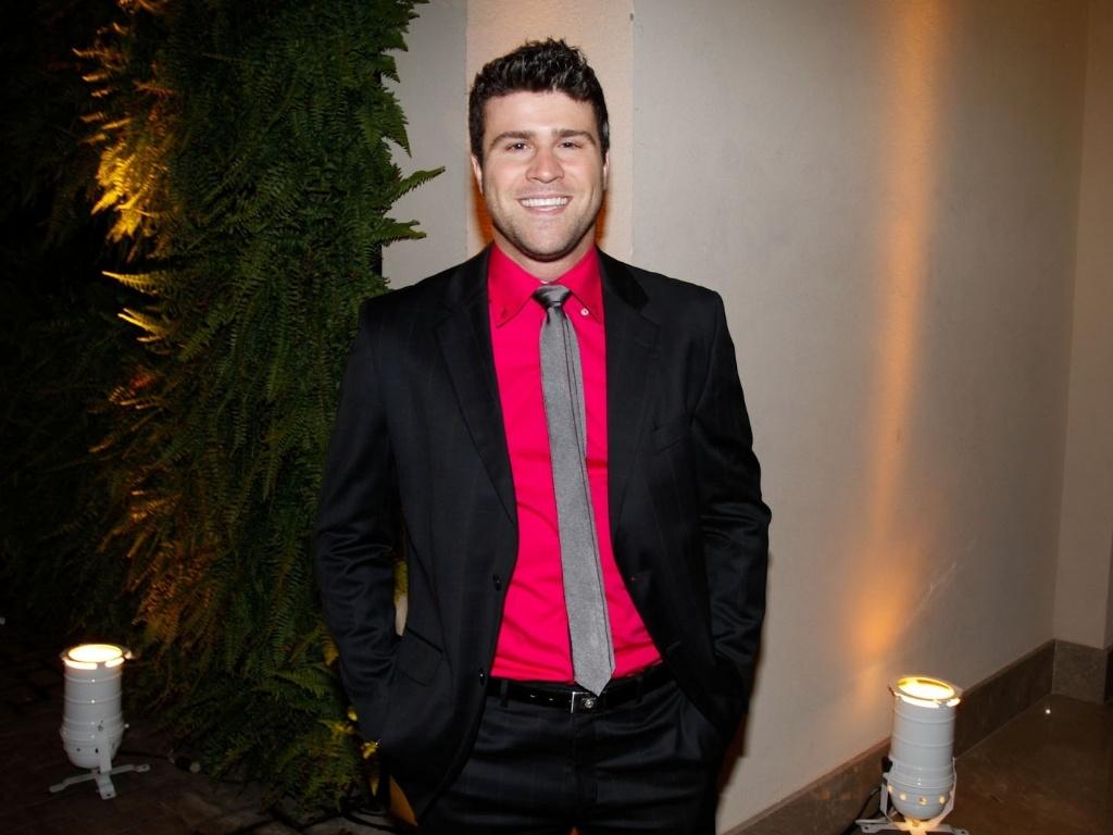 Marcelo Malandro prestigiou o casamento de Daniel Zukerman, o Impostor do