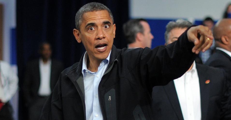 2.nov.2012 - Presidente Barack Obama chega para discursar em evento de campanha em Springfield, nos Estados Unidos. A eleição presidencial no país ocorre no dia 6 de novembro