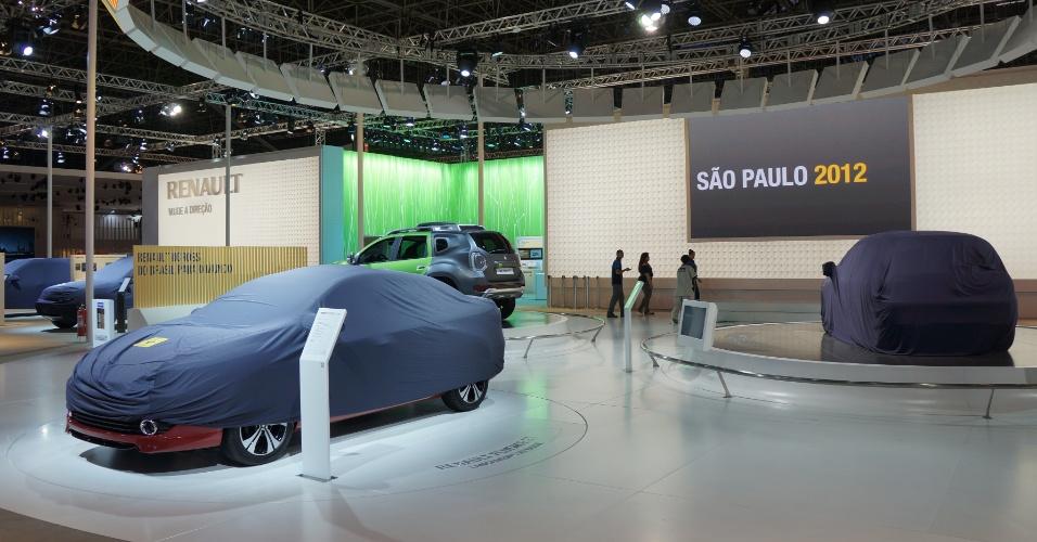 Carros cobertos da Renault marcam encerramento do Salão do Automóvel de São Paulo de 2012, neste domingo (4); com status global, evento recebeu cerca de 750 mil pessoas