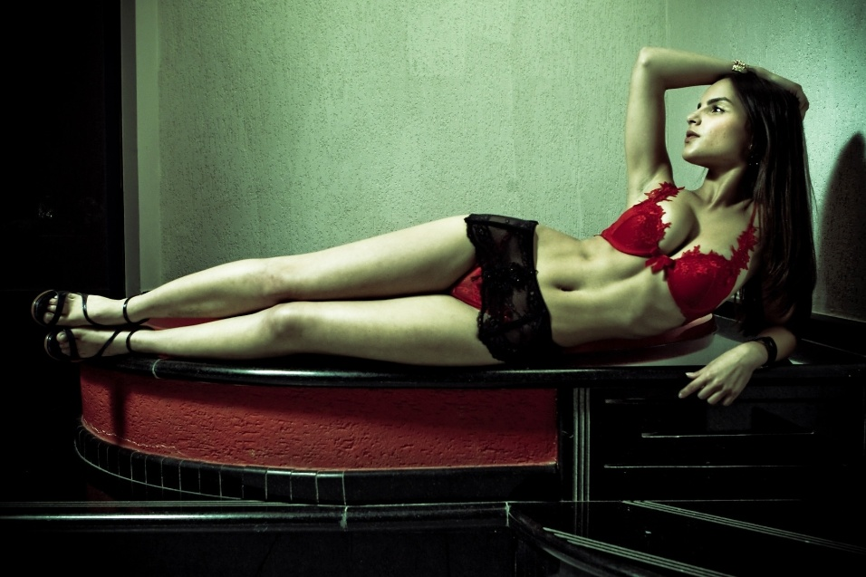 editorial-de-lingerie-50-tons-de-cinza---10-1352151186034_956x637.jpg