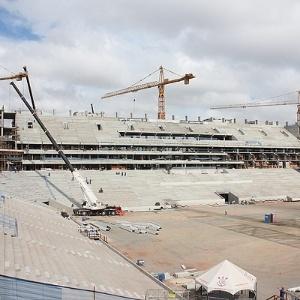 Futuro estádio do Corinthians e sede do jogo de abertura da Copa de 2014, o Itaquerão já tem 55% dos trabalhos concluídos (6/11/12)