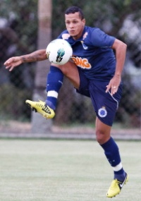 Meia Souza não ficará no Cruzeiro em 2013