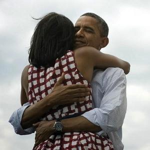 7.nov.2012 - O presidente reeleito dos EUA, Barack Obama, divulga foto em seu twitter para agradecer o apoio de eleitores e apoiadores. O tuite foi o mais replicado da história da rede social