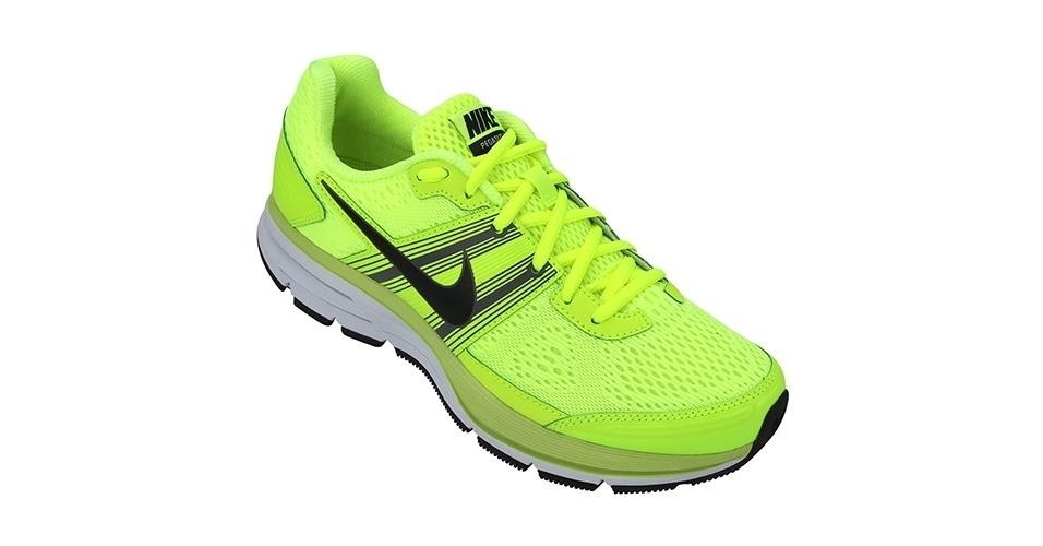 Tênis amarelo neon; R$ 399,90, da Nike, na Netshoes (www.netshoes.com.br). Preço pesquisado em novembro de 2012 e sujeito a alterações
