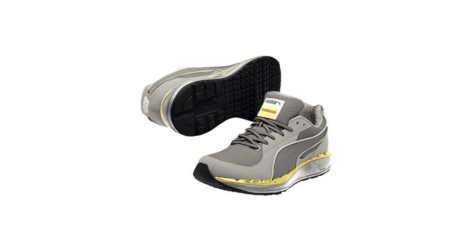 Tênis cinza e amarelo; R$ 349,90, na Puma (SAC: 0800 733 3900). Preço pesquisado em novembro de 2012 e sujeito a alterações