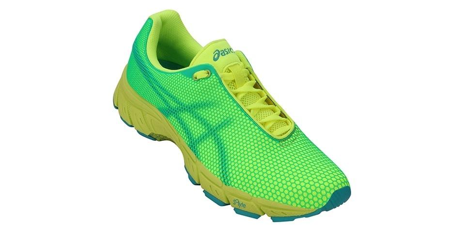 Tênis verde neon; R$ 179,90, na Asics, na Netshoes (www.netshoes.com.br). Preço pesquisado em novembro de 2012 e sujeito a alterações