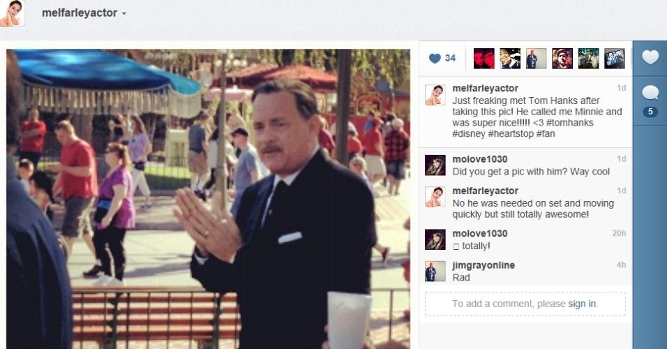 Tom Hanks caracterizado como Walt Disney durante filmagens de
