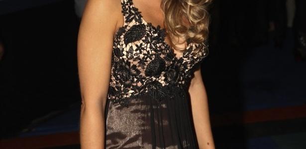 Amanda Françozo prestigiou o show de Roberto Carlos no Ginásio do Ibirapuera, em São Paulo (7/11/12)