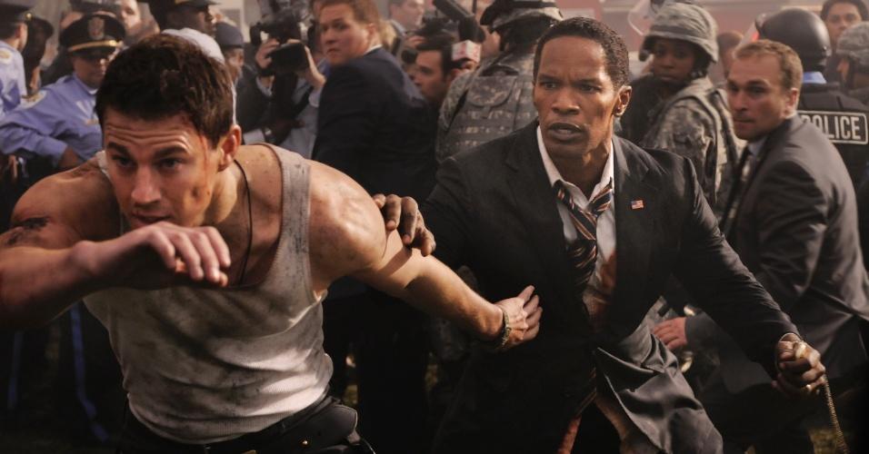 """Channing Tatum e Jamie Foxx em cena de """"Ataque à Casa Branca"""", filme que estreia em setembro de 2013"""