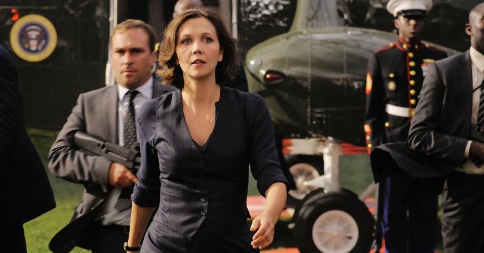 """Maggie Gyllenhaal em cena de """"Ataque à Casa Branca"""", filme com Channging Tatum e Jamie Foxx, que estreia no Brasil em setembro de 2013"""