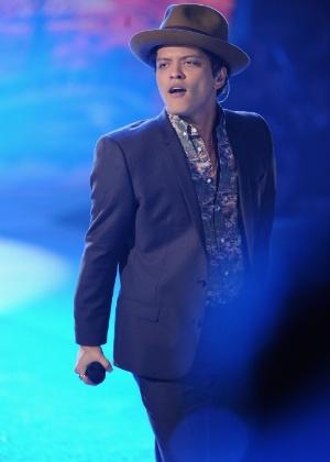 """Bruno Mars, eleito o artista do ano pela """"Billboard"""""""