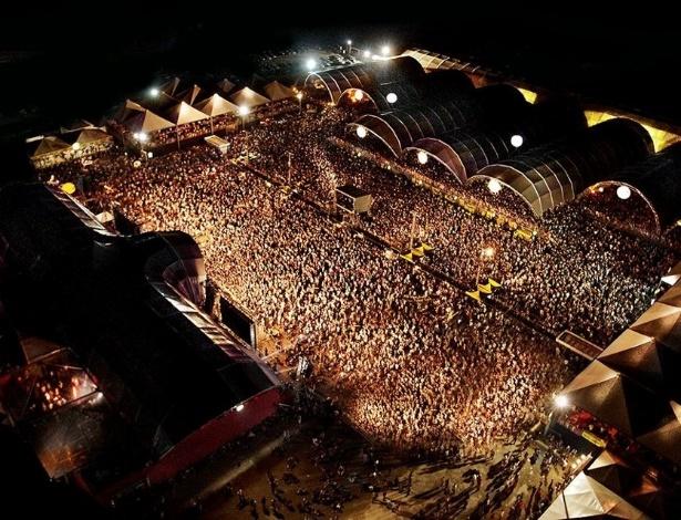 """Público e espaço do """"Caldas Country Show"""""""