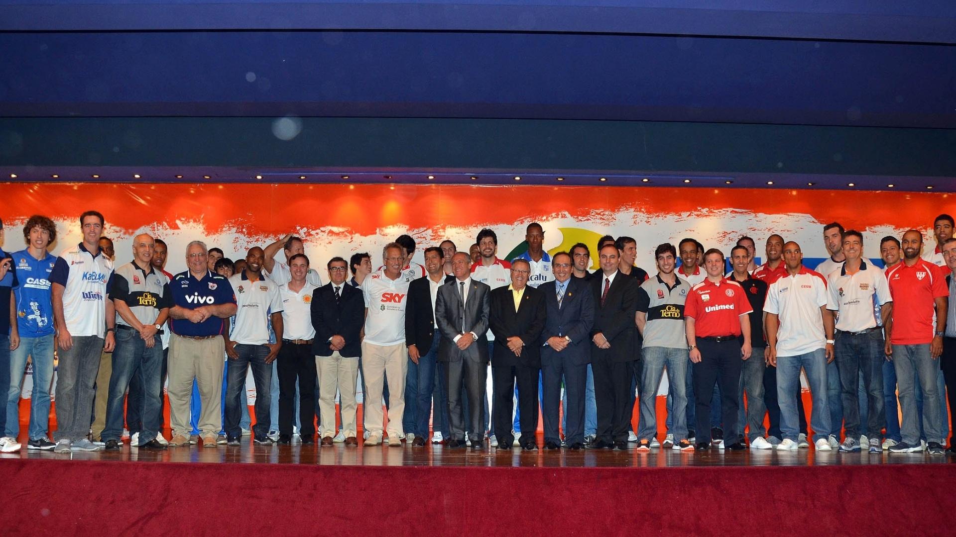 Técnicos, jogadores e personalidades do basquete marcam presença no lançamento da temporada 2012/2013 do NBB