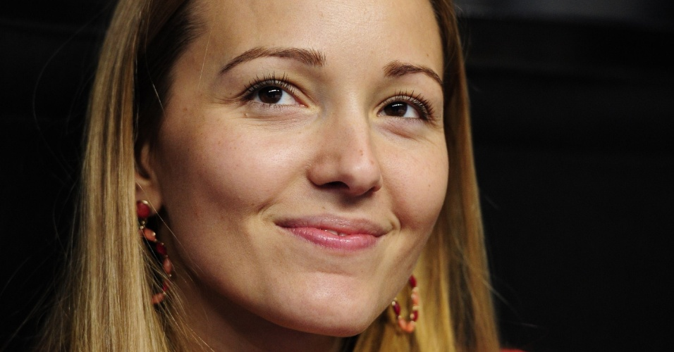 11.nov.2012 - Jelena Ristic, namorada de Novak Djokovic, assiste a um jogo do srvio nas Finais da ATP
