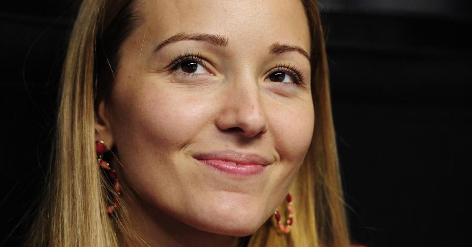 11.nov.2012 - Jelena Ristic, namorada de Novak Djokovic, assiste a um jogo do sérvio nas Finais da ATP
