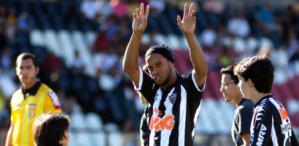 Ronaldinho ficará mais uma temporada no Atlético e disputará a Libertadores