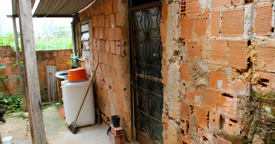 Casa em que Emerson Sheik viveu durante juventude ainda permanece a mesma, segundo amigos