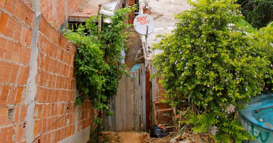 Entrada da antiga casa de Emerson Sheik em Nova Iguaçu, onde ele morou durante a juventude