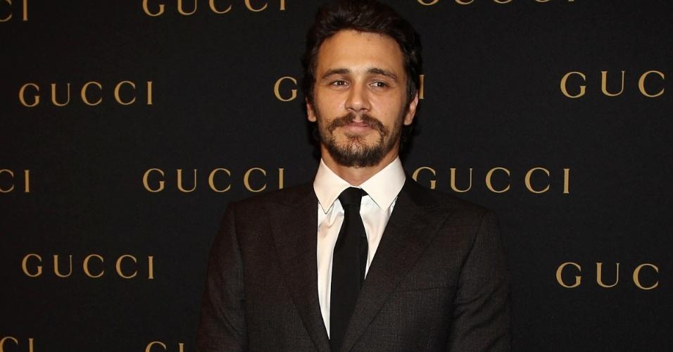 O ator e diretor americano James Franco participa de evento de marca de roupas em shopping, em São Paulo (12/11/12)