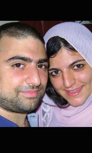 13.nov.2012 - Os irmãos Chadi e Shadia Kobeissi, brasileiros que vivem em Beirute, no Líbano, e ajudaram o jornalista Klester Cavalcanti em sua viagem até a Síria