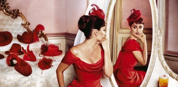 A atriz Penélope Cruz é a estrela da edição 2013 do calendário Campari (13/11/12)