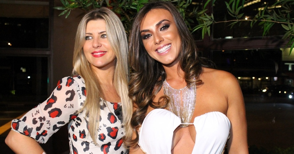 ris Stefanelli e Nicole Bahls durante festa de lanamento da grife FXB by Nicole Bahls, com show da dupla Marcos & Claudio, no Maevva, localizado no bairro do Itaim Bibi, em So Paulo. O vestido branco que ela usou no evento e outras peas foram desenhadas por ela (12/11/12)