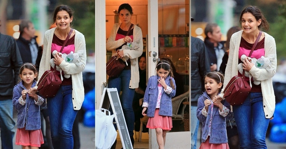 Katie Holmes e a filha Suri Cruise fazem caretas ao irem tomar sorvete em Nova York (13/11/12)