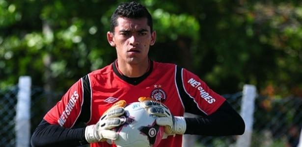 Santos, goleiro do Atlético-PR